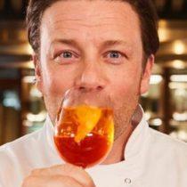 Jamie Oliver: por qué se fue a la quiebra el imperio de restaurantes del famoso chef británico