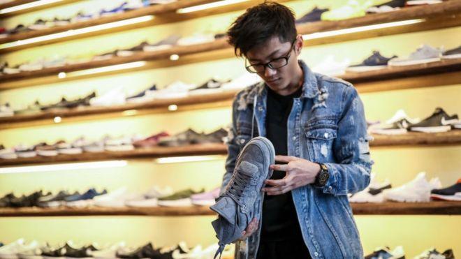 Trade War between the US and China: Adidas, Nike, dr