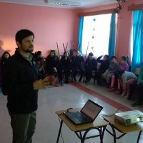 ¿Usar o no tecnología en clases? La apuesta de la Escuela de Chile Chico al usar herramientas digitales