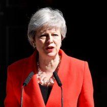 Se fue entre lágrimas: Theresa May anuncia su dimisión pero seguirá en funciones mientras se elige nuevo líder