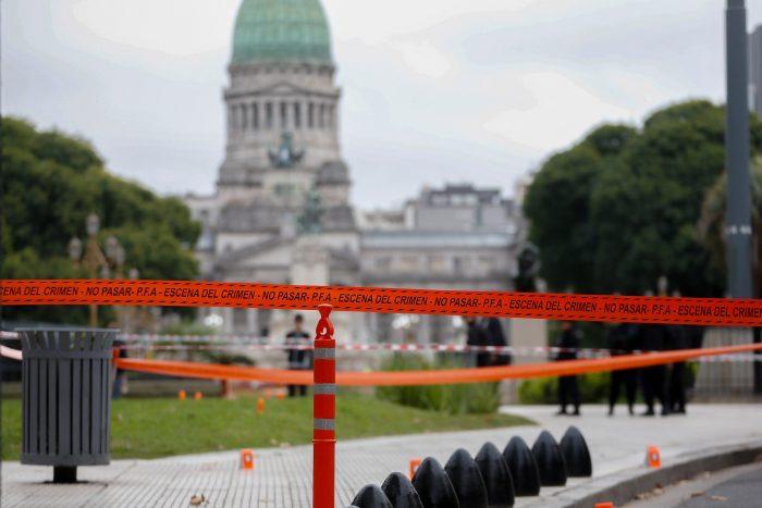 Hieren de gravedad a diputado argentino tras ser baleado en la plaza del Congreso
