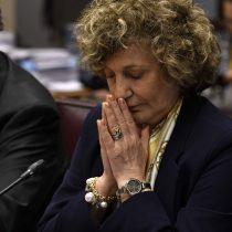 Se enreda opción de Dobra Lusic en el Senado tras las pruebas de sus intervenciones y llamados a favor de John Campos