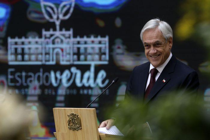 Piñera sorprende con el nuevo tren Santiago - Tiltil pero la ministra Hutt lo frena: