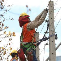 Ministro de Energía confirmó que corte de luz en Santiago afectó a 350 mil clientes
