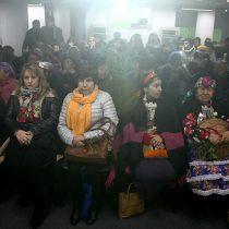 Piñera sale en defensa de la consulta indígena pese a incidentes y llamados a bajarla