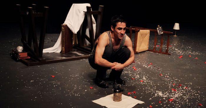 """Obra sobre chilenos exiliados en Suecia """"Gravedad"""" en Teatro de la Universidad Mayor"""
