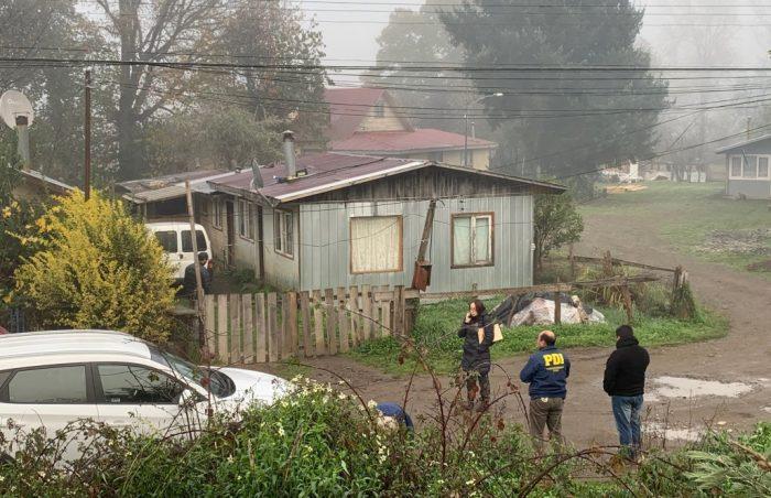 Estremecedor intento de femicidio: hombre apuñaló a toda la familia de su ex pareja, quitándole la vida a la madre y hermana