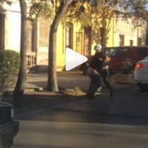 Violenta pelea entre ciclista y conductor en pleno Barrio Italia