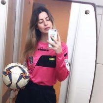 Desde insultos sexistas hasta bajarse los pantalones: el difícil partido que enfrentó la árbitro Giulia Nicastro
