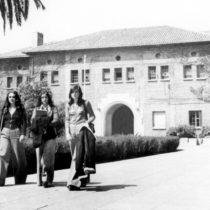 """Día del Patrimonio: """"Mujeres inolvidables"""" de la educación chilena en UMCE"""