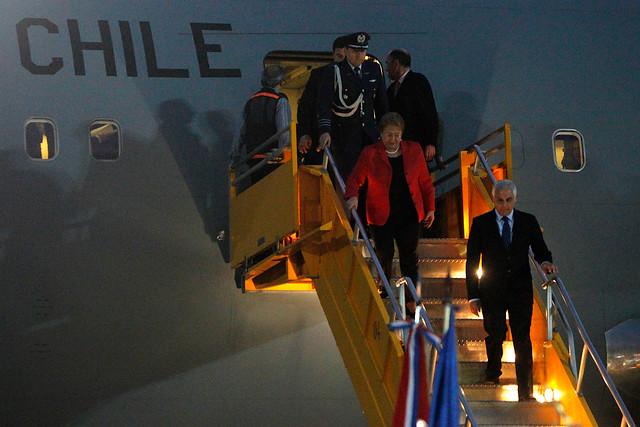 UDI pide a Contraloría revisar uso del avión presidencial durante el gobierno de Bachelet