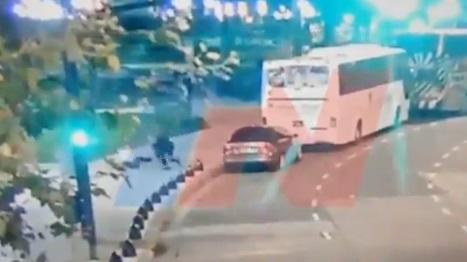 Impactante registro: cámaras de seguridad captaron el momento preciso en que diputado argentino y su asesor son baleados a metros del Congreso
