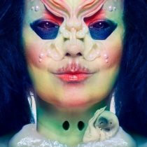 Björk abre su mente al público en