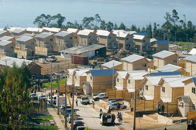 Damnificados del 27-F beneficiados con subsidios deberán devolver casas tras arrendarlas