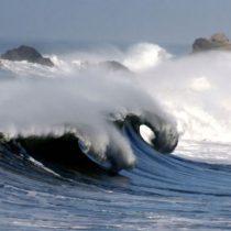 Científicos chilenos simulan eventos extremos similares a las olas gigantes en el mar