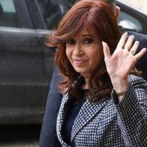 Cristina Kirchner le cede a Alberto Fernández la candidatura a la presidencia de Argentina