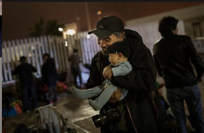 """Fotógrafo chileno que ganó el Pulitzer: """"Espero que la migración en Chile nos ayude a concebir la diversidad"""""""