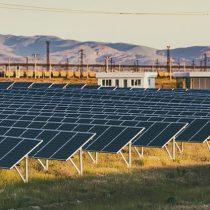 Brote de coronavirus amenaza con frenar la revolución mundial de la energía solar