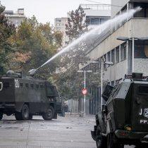 Suspenden clases en el Instituto Nacional tras enfrentamiento entre encapuchados y Fuerzas Especiales