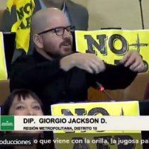 Giorgio Jackson compara la reforma a las pensiones del Gobierno con un pan con jamón y palta