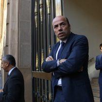 Facultad de Derecho de la U. de Chile en picada contra Bermúdez: acusa conflicto de interés del contralor en polémico dictamen