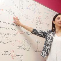 La primera ingeniera aeroespacial de Chile: las mujeres enriquecen las soluciones que entregan las tecnologías