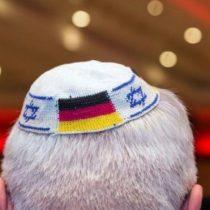 Recomiendan a los judíos en Alemania que no lleven la kipá en público por el aumento del antisemitismo