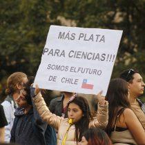 Investigadores chilenos salieron a la calle en una nueva marcha mundial por la ciencia
