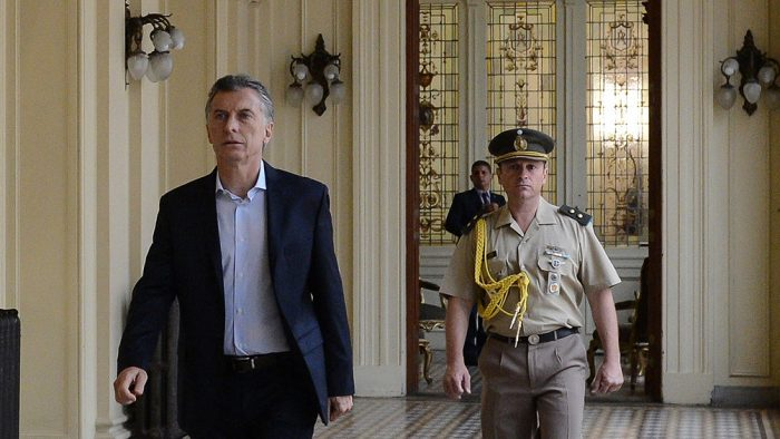 Detienen a hombre que iba con un arma y quería ver a Macri en la Casa Rosada