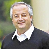 La insólita idea del ministro Monckeberg: propone que los trabajadores entren a las 7.30 para que sus viajes