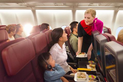 Consejos para que viajar con niños en un avión no sea un problema
