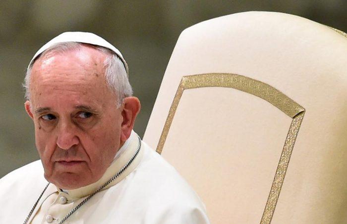 Papa Francisco compara mujeres que abortan con sicarios a días de que comience la discusión por el aborto en Argentina