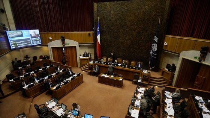 Senadores llenan el estanque hasta en febrero: En mes de receso legislativo, gastan más de 5 millones de pesos en combustible