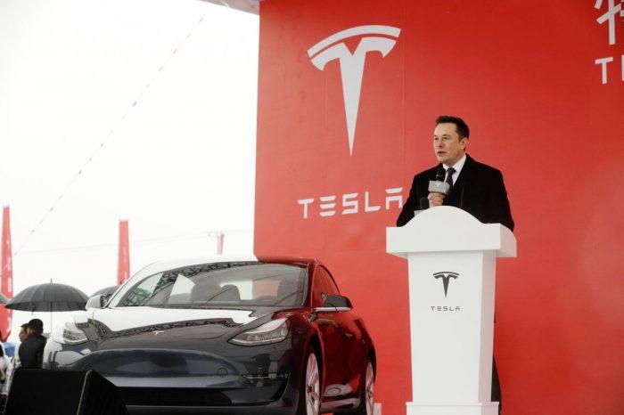 """Tesla se desploma con """"intensas"""" revisiones de gastos de Musk"""