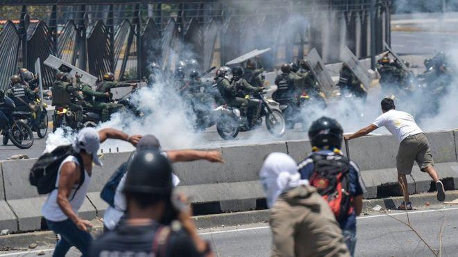 Crisis en Venezuela: quiénes son los dos jóvenes muertos durante las protestas contra Maduro
