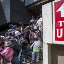 Crisis migratoria: 3 factores que explican por qué se ha disparado el número de personas que llegan a la frontera sur de Estados Unidos