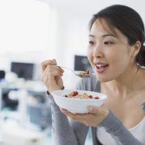 Cómo identificar los alimentos que parecen saludables pero no lo son