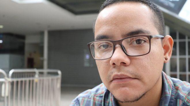 """""""Si volviera a parecer una mujer no me atrevería a salir a la calle"""": la desesperada búsqueda de hormonas de los transexuales en Venezuela"""