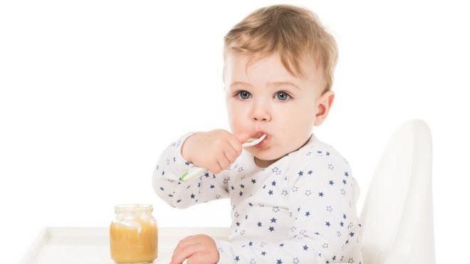 Los preocupantes niveles de azúcar en los alimentos para bebés