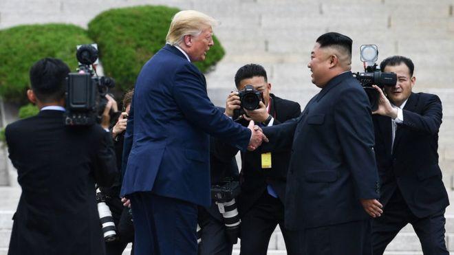 El histórico encuentro entre Donald Trump y Kim Jong-un en la zona desmilitarizada que separa a las dos Coreas