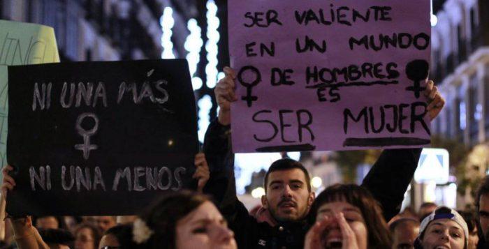Mujeres y hombres feministas: salvar la democracia en peligro