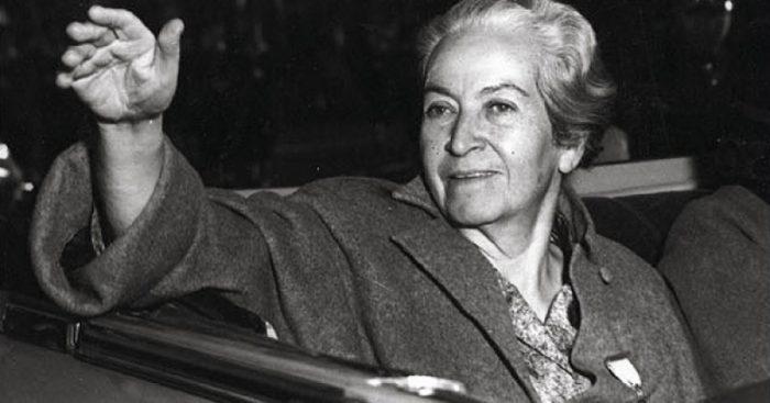 Coloquio «Mistral, una mujer política: A 130 años de su nacimiento» en Universidad de Valparaíso