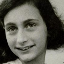 "Ana Frank y su novela ""Querida Kitty"""