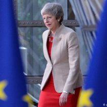 May firma hoy la dimisión como líder conservadora pero seguirá en funciones