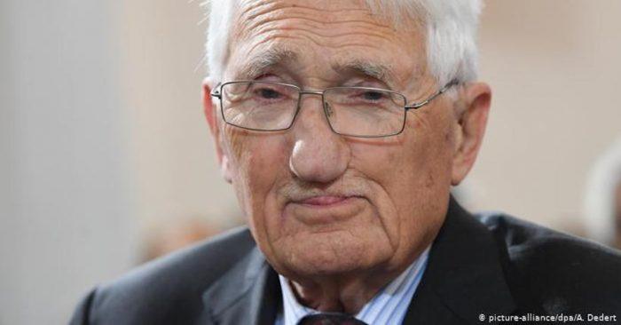 """Jürgen Habermas, el """"maestro de la comunicación"""" e impulsor de la generación del 68, cumple 90 años"""