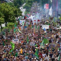 """Fridays for Future: """"Hagan el amor y no CO2"""""""