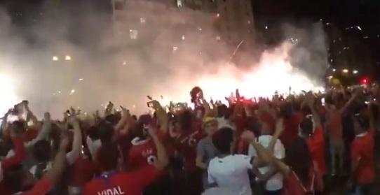 Pirotécnica arenga de hinchas de la selección chilena termina con disuasión policial en Río de Janeiro