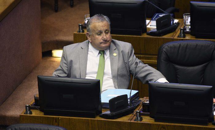 Senador UDI llama a terminar con la entrega de visas a venezolanos porque