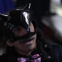 ¿Batman?: un enmascarado Florcita Motuda llegó hasta la Cuenta Pública Presidencial