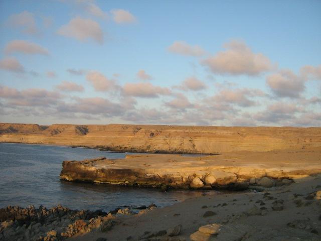 La guía geológica que enseña el recorrido geoturístico de Isla Grande de Atacama
